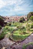 Visión desde el delle Rose de Giardino a la ciudad de Florencia Fotos de archivo
