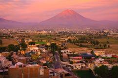 Visión desde el distrito de Sachaca, Arequipa Perú Imagen de archivo libre de regalías