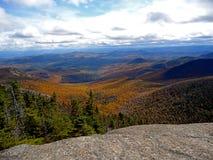 Visión desde el DIX del sur en los altos picos de Adirondack Imagen de archivo libre de regalías