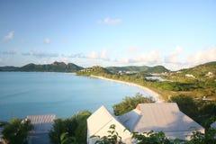 Visión desde el hotel Antigua de la bahía de los Cocos Foto de archivo libre de regalías