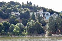 Visión desde el lago foto de archivo