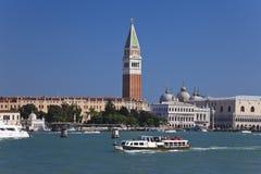 Visión desde el mar a Venecia, Italia Imagen de archivo libre de regalías
