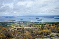 Visión desde el parque nacional del Acadia de la montaña de Cadillac en otoño Fotos de archivo