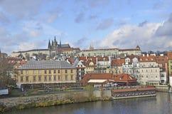 Visión desde el puente de Charles de Praga Foto de archivo libre de regalías