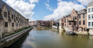 Visión desde el puente de Kleine Vismarkt Foto de archivo