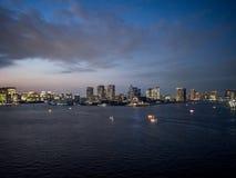 Visión desde el puente del arco iris, Tokio, Japón, ruta del norte imágenes de archivo libres de regalías