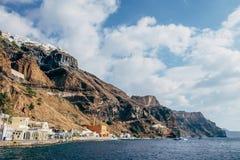 Visión desde el puerto viejo de Fira en Santorini Fotografía de archivo