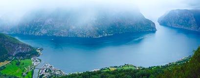 Visión desde el punto de vista de Stegastein (Aurland, Noruega) Fotografía de archivo