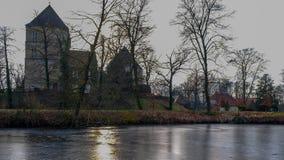 Visión desde el río en el ¼ CK, tersloh del ¼ de Kreis GÃ, Renania del Norte-Westfalia, Deutschland/Alemania de Schloss Rheda - d Imagen de archivo