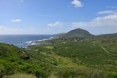 Visión desde el rastro Hawaii, isla del faro del punto del ` u de Makapu de Oahu foto de archivo libre de regalías