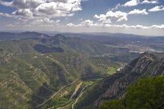 Visión desde el soporte Montserrat cerca de Barcelona, España Imagen de archivo libre de regalías
