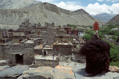 Visión desde el tejado del monasterio budista Foto de archivo libre de regalías