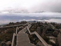 Visión desde el top del puesto de observación del mt Wellington Tasmania foto de archivo