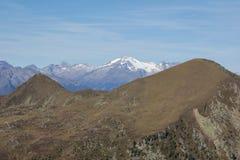 Visión desde el top del soporte Pfannock a alto Alp Peak Fotografía de archivo