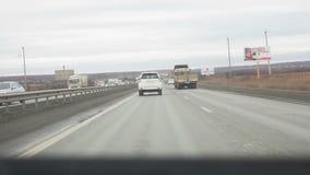 Visión desde el vehículo en el camino metrajes