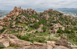 Visión desde encima del betta de la cola del thuppada dentro del fuerte de Chitradurga, Karnataka Imágenes de archivo libres de regalías