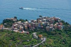 Visión desde la altura en Corniglia, Italia Imagenes de archivo