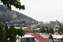 Visión desde la calle vieja en Tbilisi Fotos de archivo