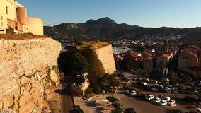 Visión desde la ciudadela en Calvi, Córcega almacen de metraje de vídeo