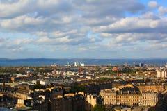 Visión desde la colina de Calton en Edimburgo Fotos de archivo libres de regalías