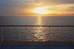 Visión desde la cubierta del barco de cruceros. Imagenes de archivo