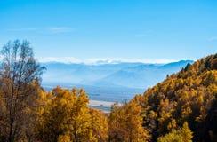 Visión desde la cuesta de montaña del valle Imagen de archivo libre de regalías