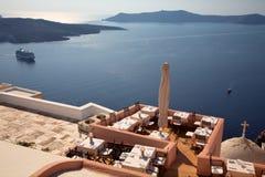 Visión desde la isla de Santorini. Imagenes de archivo