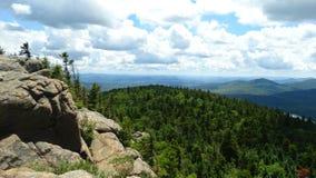 Visión desde la montaña de la grúa Foto de archivo libre de regalías