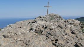 Visión desde la montaña de Stavri-Kaya, en el mar y la ciudad de Yalta metrajes