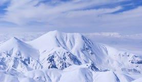 Visión desde la montaña Ejder. Palandoken. Foto de archivo