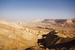 Visión desde la montaña en desierto del Néguev Imagenes de archivo