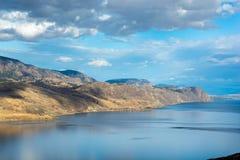 Visión desde la opinión Poin del lago Kamloops imagen de archivo libre de regalías