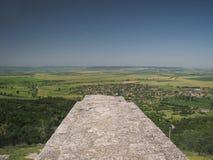 Visión desde la pared de la fortaleza sobre Madara Fotografía de archivo