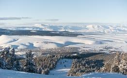Visión desde la ruta negra del esquí a Sarikamis Imagen de archivo libre de regalías