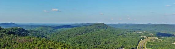 Visión desde la torre de la montaña imagen de archivo libre de regalías