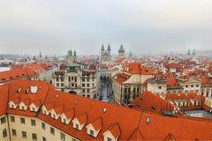 Visión desde la torre de reloj en la ciudad vieja, Praga, República Checa foto de archivo