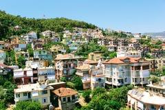 Visión desde la torre roja a la zona urbana adyacente Alanya, Turquía Imagenes de archivo