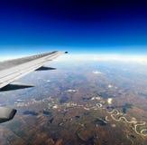Visión desde la ventana de los aviones Imágenes de archivo libres de regalías