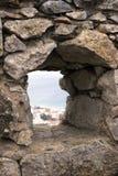 Visión desde la ventana de un castillo Fotos de archivo libres de regalías
