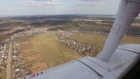 Visión desde la ventana del aeroplano metrajes