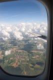 Visión desde la ventana del aeroplano Imagen de archivo libre de regalías