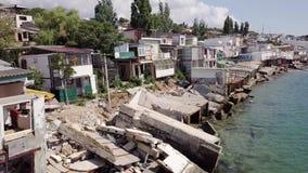 Visión desde la vista panorámica de las consecuencias del derrumbamiento en la ciudad de Chernomorsk, Ucrania almacen de video