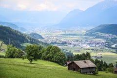 Visión desde las montañas Imagenes de archivo