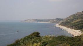 Visión desde los molinos de Osmington de la costa de Dorset Inglaterra Reino Unido almacen de metraje de vídeo