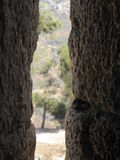 Visión desde los saeteras en el castillo de Ajloun imagen de archivo libre de regalías