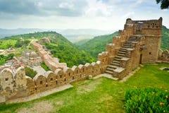 Opinión del fuerte de Kumbhalgarh imágenes de archivo libres de regalías