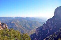 Visión desde los tops de la montaña de Montserrat Foto de archivo