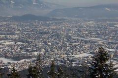 Visión desde Mt Dobratsch a Villach en invierno Foto de archivo libre de regalías