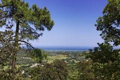Visión desde Ramatuelle en el paisaje cerca de St Tropez, Cote d'Azur, Provence, Francia meridional Fotografía de archivo libre de regalías