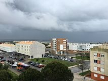 Visión desde un balcón en Oeiras, Portugal fotografía de archivo libre de regalías